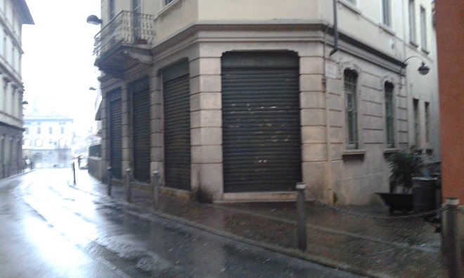 Commercio cant muore quanti negozi chiusi in centro for Negozi arredamento cantu