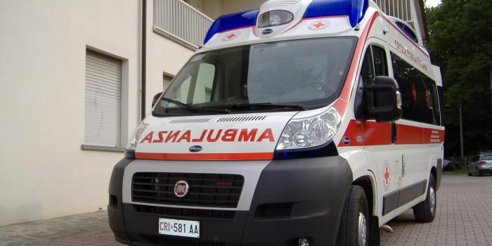 CANTÙ – Malore sul posto di lavoro, intervengono le ambulanze