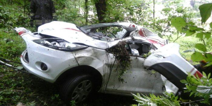 INCIDENTE – Paura a Barni: automobile finisce fuori strada