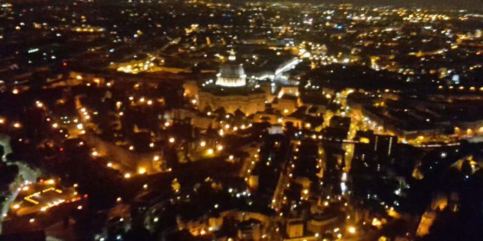 ELISOCCORSO – Atterraggio notturno per il nuovo velivolo, sulla pista del Papa