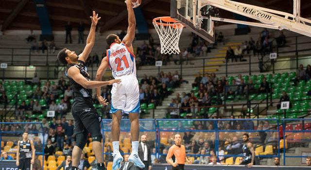 BASKET – Cantù si riprende e batte i vicecampioni d'Italia di Trento 88-80