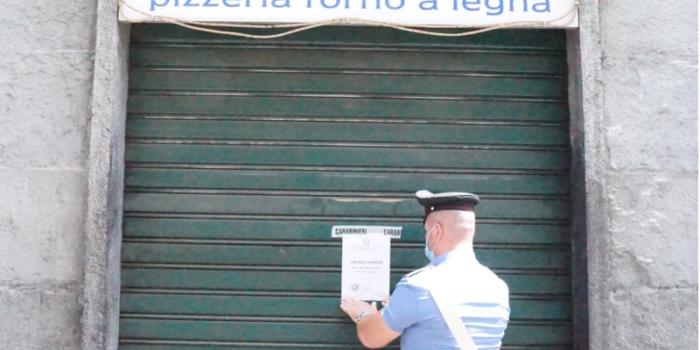 """CANTÙ – Risse e schiamazzi, il """"kebabbaro"""" di via Roma chiuso per 15 giorni"""
