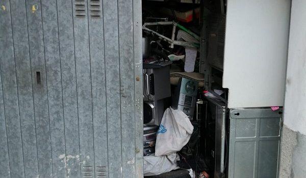 'IN MALA FEDE' – Altri box stipati di rifiuti. Sequestri in via Crotto
