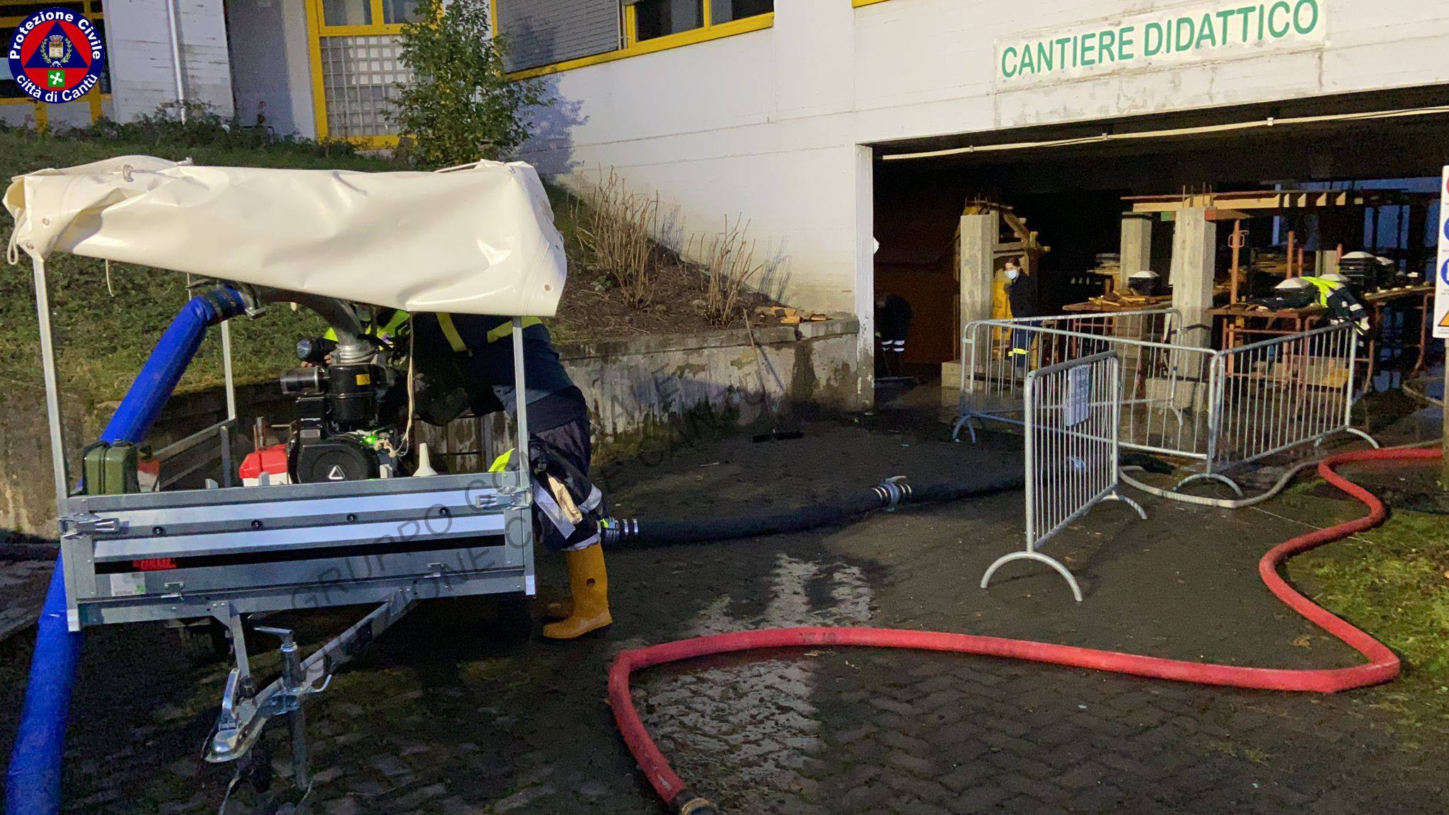 CANTÙ - Rotto l'antincendio, si allaga il seminterrato ...