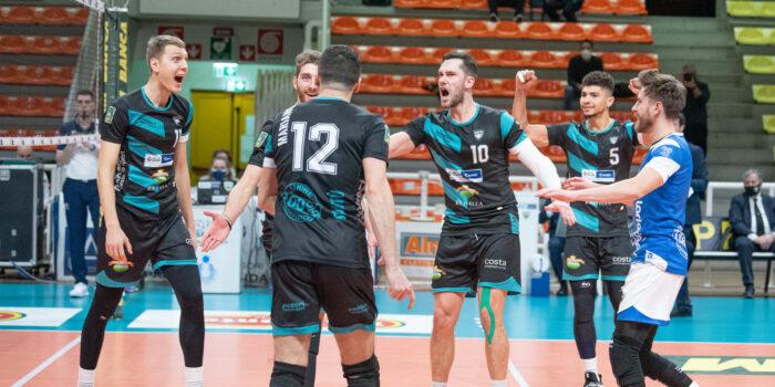 VOLLEY – Il Pool Libertas  a Cuneo si arrende solo ai vantaggi del tie-break