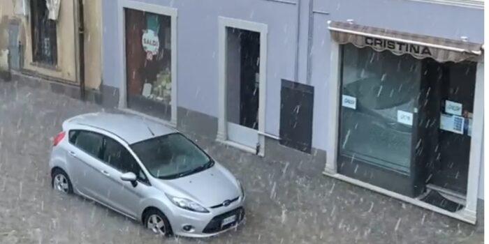 MALTEMPO – Bomba d'acqua, la città di Cantù allagata: le foto