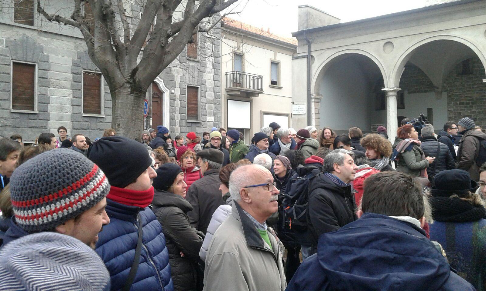 http://www.canturino.com/wp-content/uploads/2017/12/COMO-MANIFESTAZIONE-VS-ORDINANZA-LANDRISCINA-2.jpeg