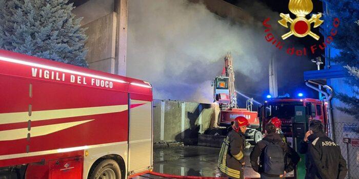 """CIRCOLO """"I. ALPI"""" – Pericolo diossina? Massima chiarezza sull'incendio di plastiche a Cermenate"""